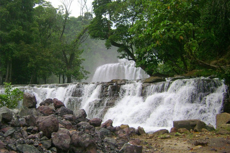 TINUY AN CURTAIN WATERFALLS